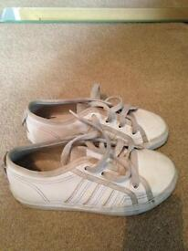 Whit adidas boys trainers size junior 12