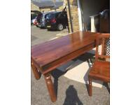 Stunning solid wooden table and 6 chairs mint con