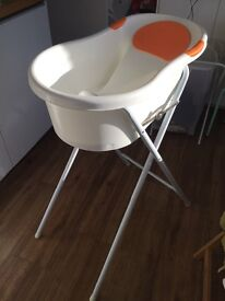 Tippitoes mini bath and stand