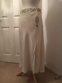Coast Fully Lined Cream Floaty Silk Skirt with Side Split - Size 10 12 Stunning