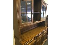 Beautiful 5ft Solid Oak Dresser / Display Unit. Excellent Overall Condition. Can Deliver.