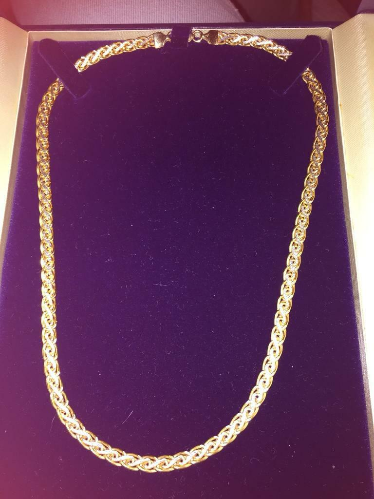 9ct two colour Beaverbrooks rare necklace