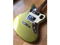Fender Jaguar HH - Gold - Matching Headstock