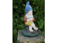 Vintage Cast Stone Classic Fishing Garden Gnome Garden Ornament Statue 33cm Tall