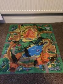 Dinosaurs & play mat