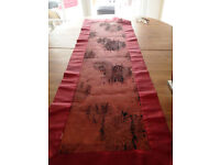 red and black table runner.