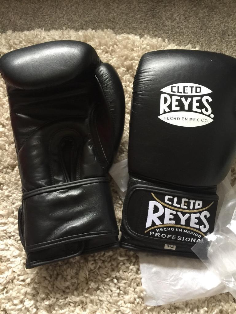 CLETO REYES boxing gloves | in Rochdale, Manchester | Gumtree