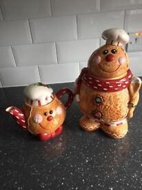 TEAPOT AND COOKIE JAR FOR SALE