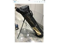 Golf carrying bag very good condition must collect £15 Ono