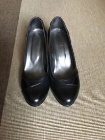 Leather Shoes size 6