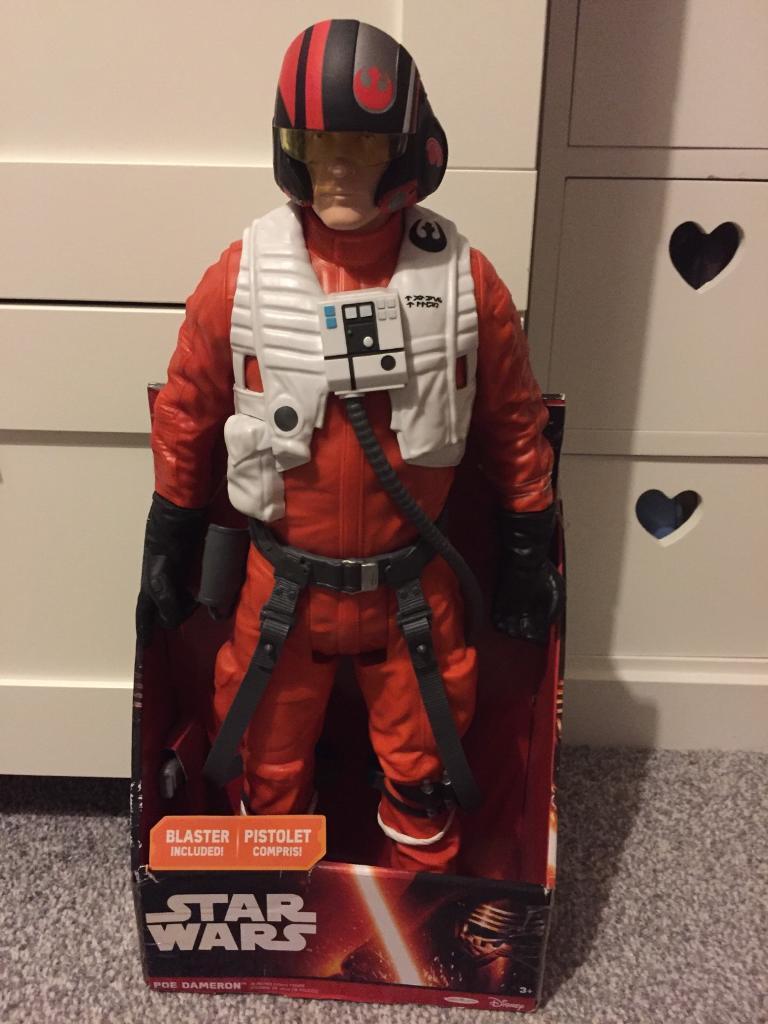 Star Wars Poe Dameron figure ~ Includes blaster gun ~ New in box