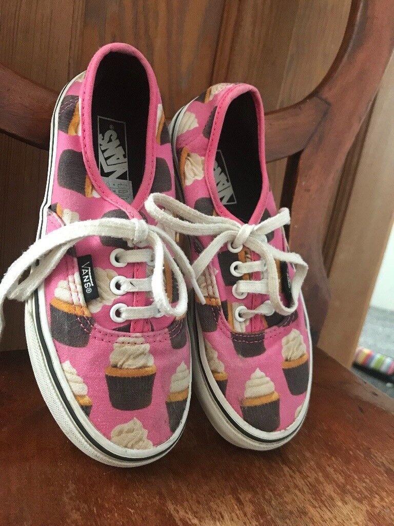 Girls cupcake van trainers