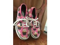 Girls cupcake van trainers