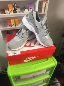 Nike air hauraches size 8 grey
