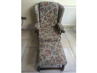 COTTAGE STYLE ARMCHAIR WITH SOLID WOOD BASE AND ARMS, LARGE FOOTSTALL WITH SOLID WOOD BASE