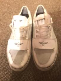 Creative recreation trainers size 7