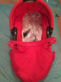 Quinny buzz carrycot and raincover