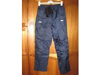 Outdoorscene Ladies over trousers