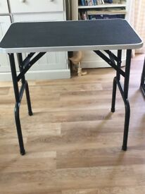 Dog grooming table -excellent condition