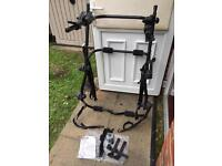 Halfords cycle rack- holds 3 cycles