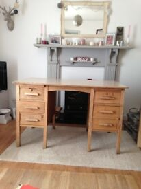 Oak desk with melamine top