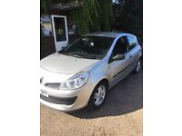 Renault Clio 1.2 2006 petrol. 76000 miles Godd runner and very good on fuel