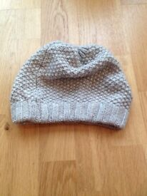 Boden hat (light grey / silver)