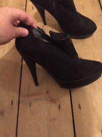 Size 4 Next heeled boots
