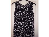 Women's Planet Black/White Lined Dress - Size 14