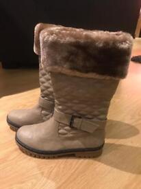 Ladies Boots size 38