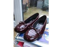Women's Gabor burgundy pumps size 7.5