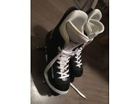 ROLLER SKATES - NEARLY NEW, SIZE 5.5