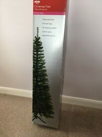 6ft Slimline Christmas Tree and 200 Lights