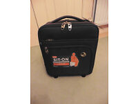 IT Luggage Cabin 39cm 2 Wheel Sit On