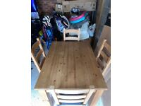 Lovely 100% Solid Oak Dining Table & 4 Chairs