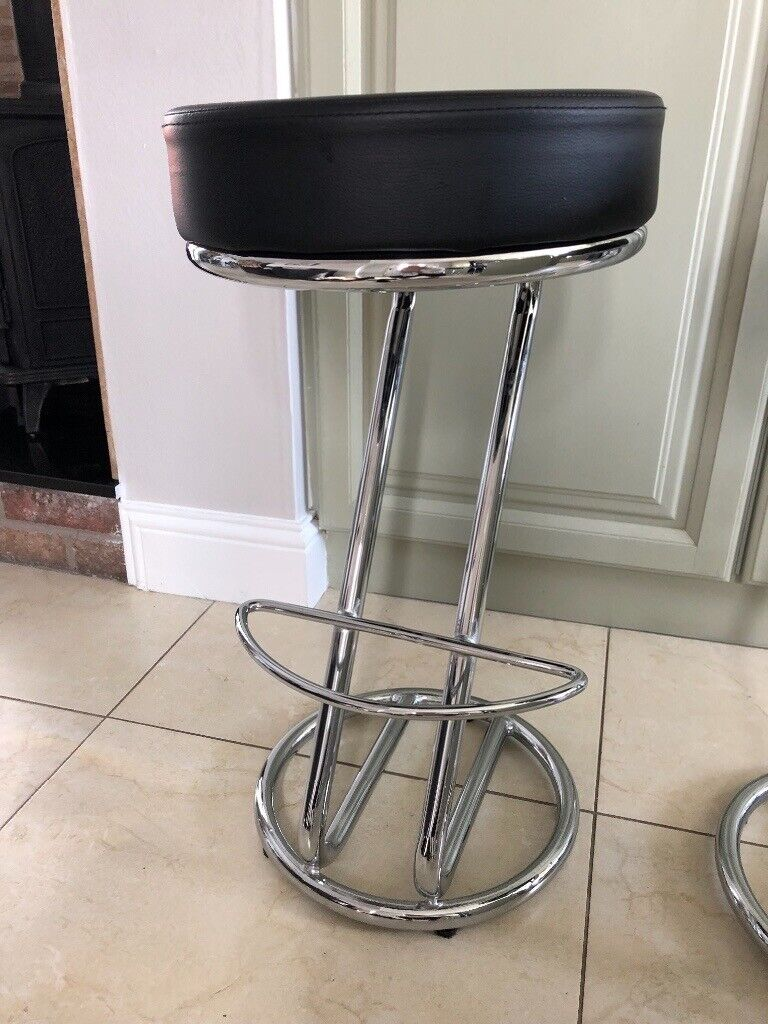 Enjoyable Kitchen Bar Stools X 4 Chrome Black Faux Leather In Excellent Condition In Armagh County Armagh Gumtree Short Links Chair Design For Home Short Linksinfo