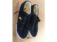 Men's Lyle & Scott Navy Canvas shoes size 7