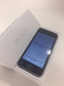 **iPhone 5s - Unlocked to all networks- Very Good Condition**