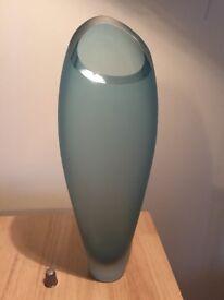 Stunning vintage art glass vase