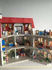Huge Playmobil Suburban House + 3 extensions, lights, furnished and boxed