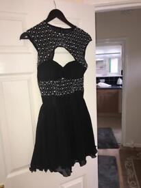 2 dresses black and cream