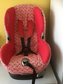 Maxi Cosi Car Seat 9 months to 4 years forward facing.