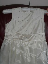 Girls Cream Satin Bridesmaid Dress – Age 10 years - £20.00