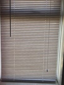 2 pairs of white blinds