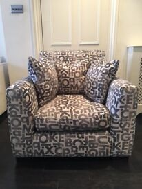 Armchair with 3 Scatter Cushions – Excellent Condition - Very Comfy