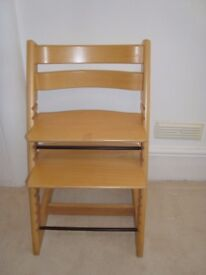 StokkeTripp Trapp Chair in beech, with baby set and harness
