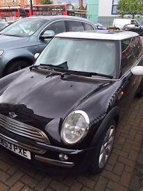 BARGAIN £ 1585................... 2004(53) Mini Cooper 1.6 automatic