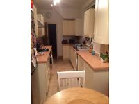 Cream Shaker style kitchen units for sale. Good condition.