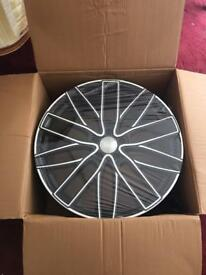 4 x New high quality RRP £1,700 Wolf Race 22in x 9.5in wheels