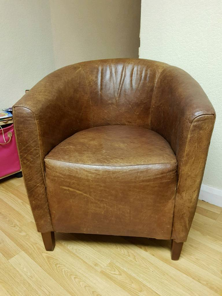 Leather tub chairin Broadstairs, KentGumtree - Brown leather tub chair. Needs a little tender loving care but nevertheless really good solid, quality chair